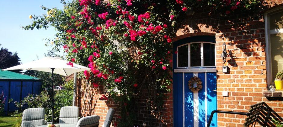 Ferienwohnung Sommerflair mit Rosenterrasse